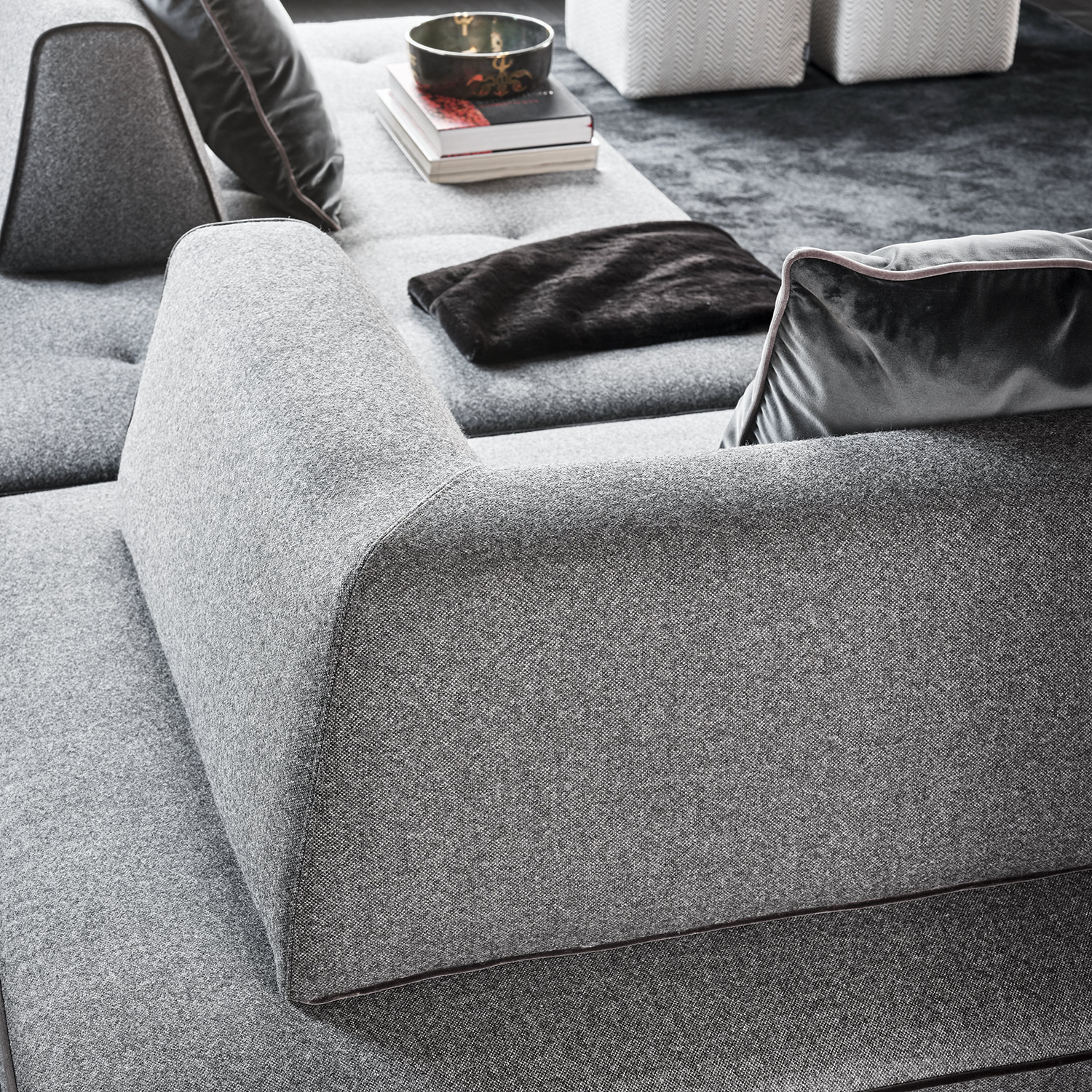 Mussi Isola sofa backrest detail