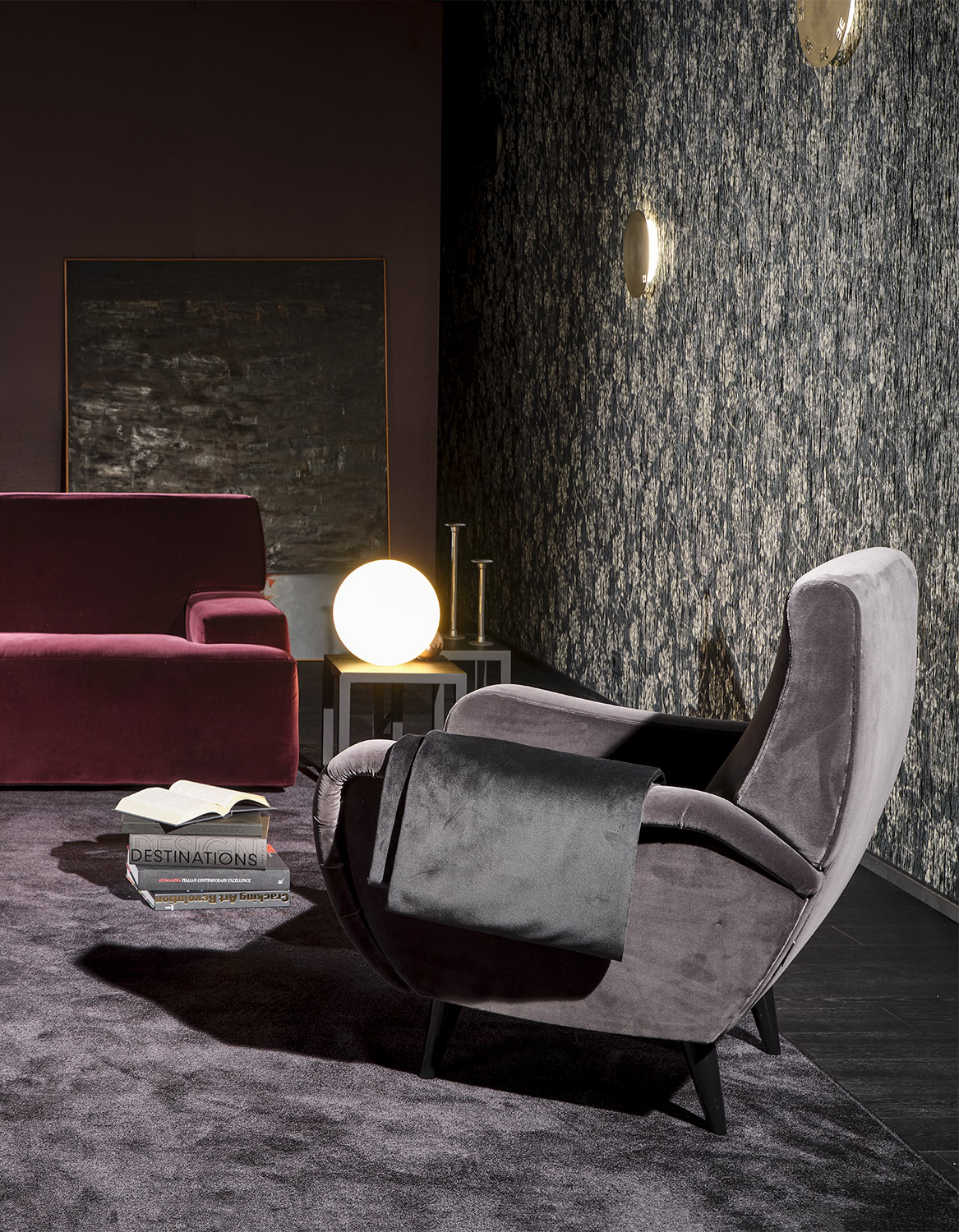 Mussi Eclissi lamp and armchair