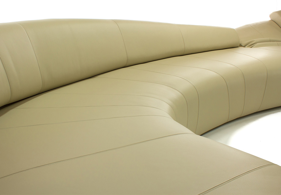 Mussi custom projects: tailormade Italian furniture, Giorgio Paù sofa detail