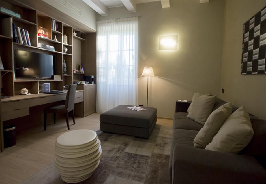 Mussi contract project: Relais San Maurizio room interiors