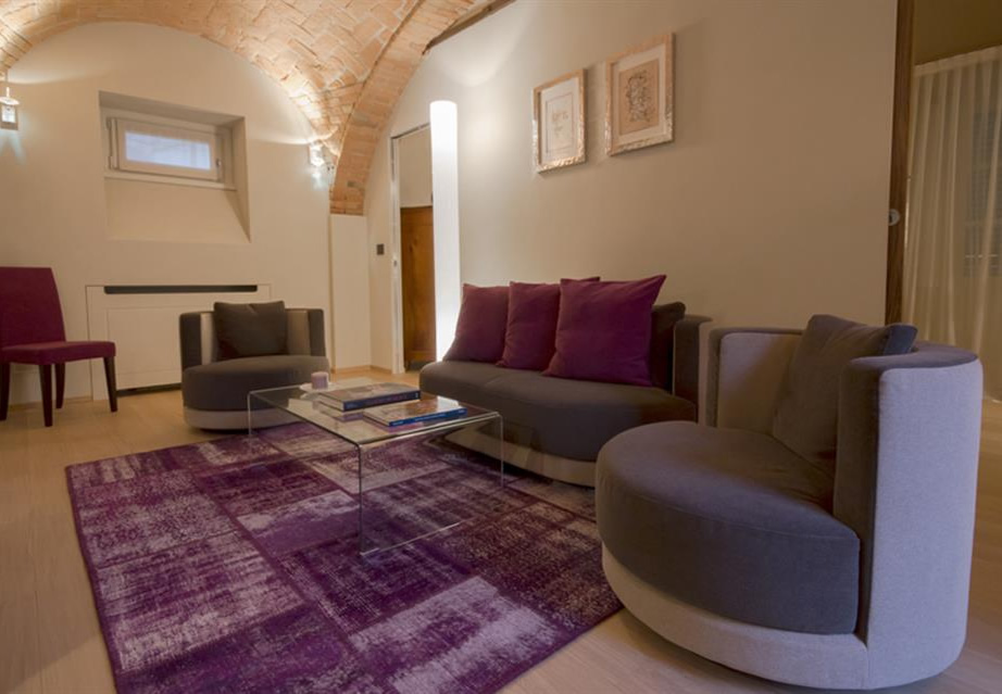 Mussi contract project: Relais San Maurizio room interiors furniture